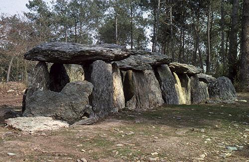 Dolmen de La Roche aux Fées, commune d'Essé (Ille-et-Vilaine), tous droits réservés