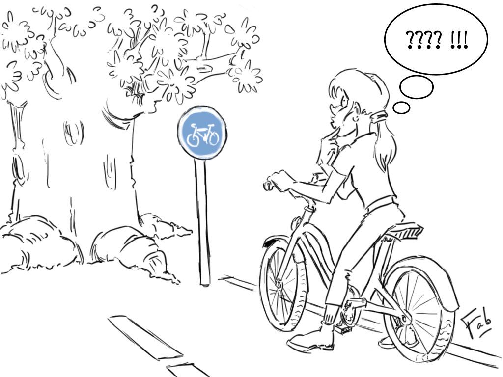 cycliste femme s'interrogeant devant un arbre planté sur la piste cyclable