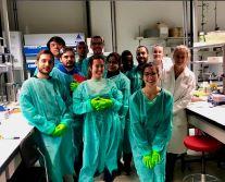 séance de TP dans un laboratoire de Lausanne