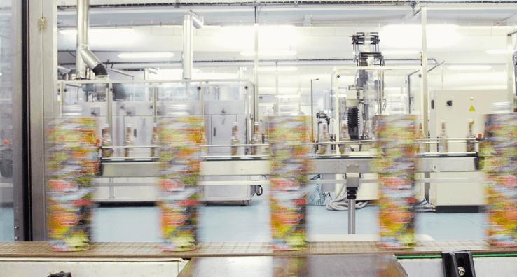 Test de la faisabilité Industrielle de la pose d'emballages Sleeve sur Bouteilles en ligne de conditionnement