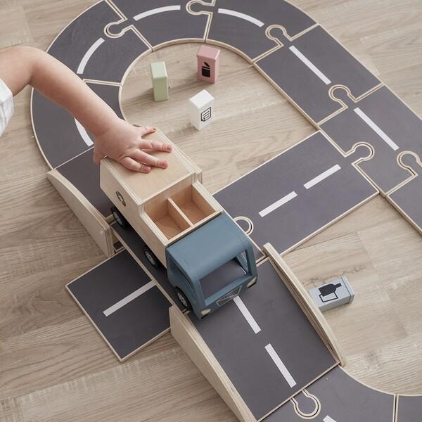 Circuit de voitures en bois - Les Petits Raffineurs